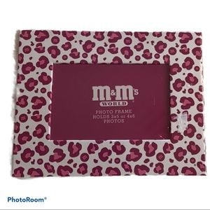 🔥4/$20🔥NWT M&M's World leopard picture frame